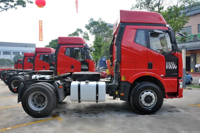 2013款解放 j6m重卡 350马力 4x2 牵引车(ca4180p63k2