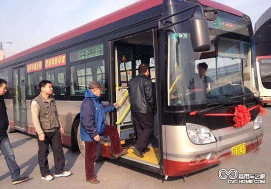 换10部纯电动公交车 天津提供绿色车厢