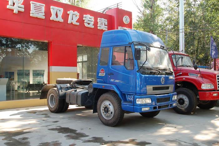 东风柳汽 乘龙中卡 220马力 4X2 牵引车