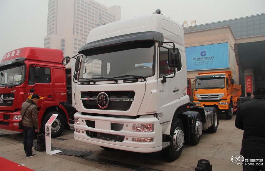 中国重汽 斯达-斯太尔重卡 340马力 6X2 (ZZ4223N27C1D1N)