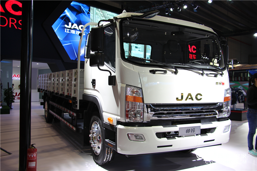 江淮 威司达中卡 165马力 4X2 6.75米栏板载货车(HFC1121P70K1E1)