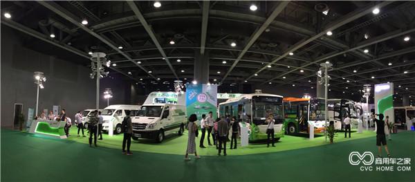 海格客车携6款新能源明星车型亮相本次展会.